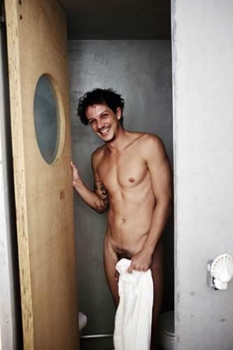 Rafael lesso nu para os famosos pelado gay