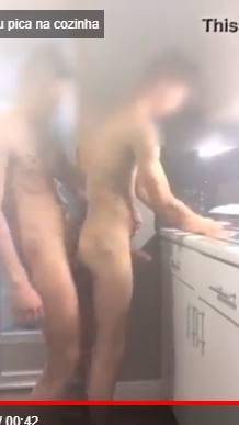 Novinho levou pica no cu do namorado