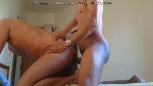 Marcos Goiano fudendo com macho roludo