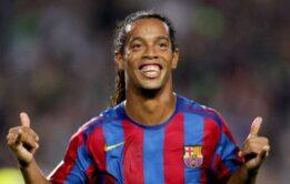 Jogador Ronaldinho Gaúcho batendo punheta