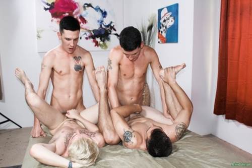 Gays fudendo com dotados do soloboys