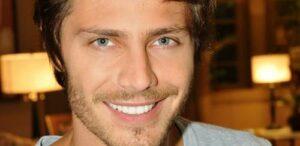 André Bankoff pelado em vídeo gay