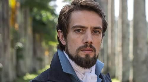 Famoso Rafael Cardoso pelado no filme babado
