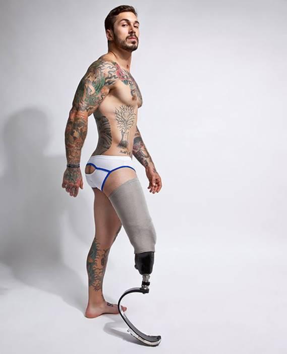 modelo deficiente pelado em famosos nu