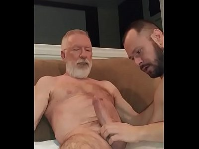 Paizao Dotado Sendo Mamado Videos Gay