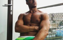 Famosos pelado: Diego Barros nu em fotos sedentas
