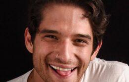 Tyler Posey pelado e bem dotado em fotos