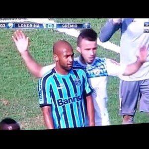 Flagras gays no futebol